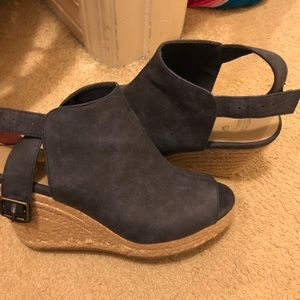 Amazing condition Charming Charlies wedges!